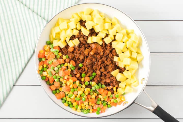 Pan of ground beef, potatoes, mixed vegetables