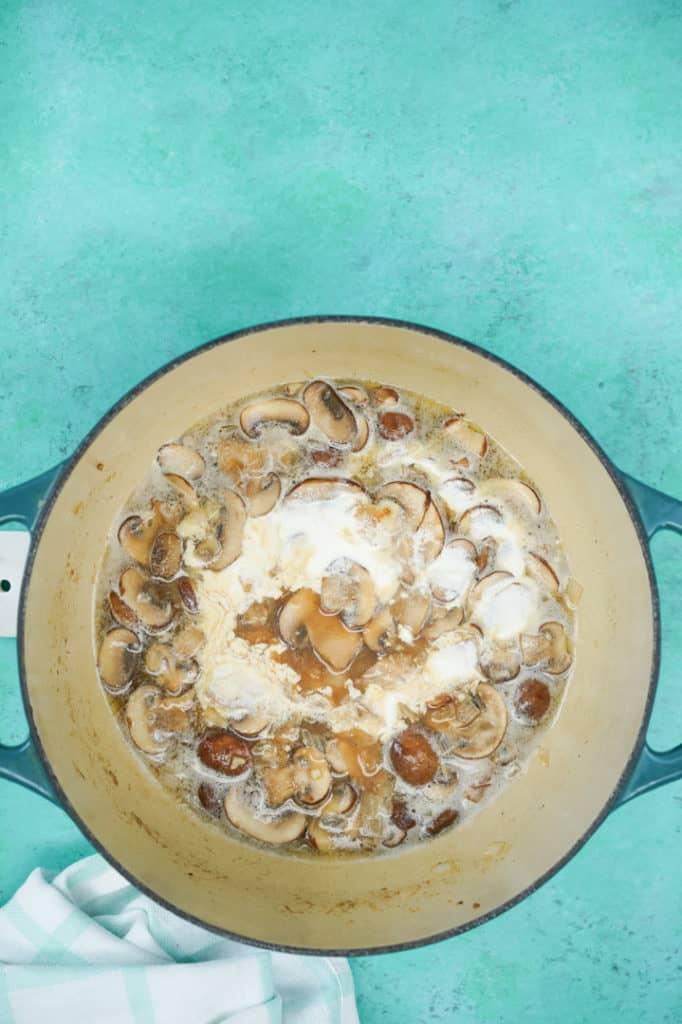 Large pot with cream, mushroom
