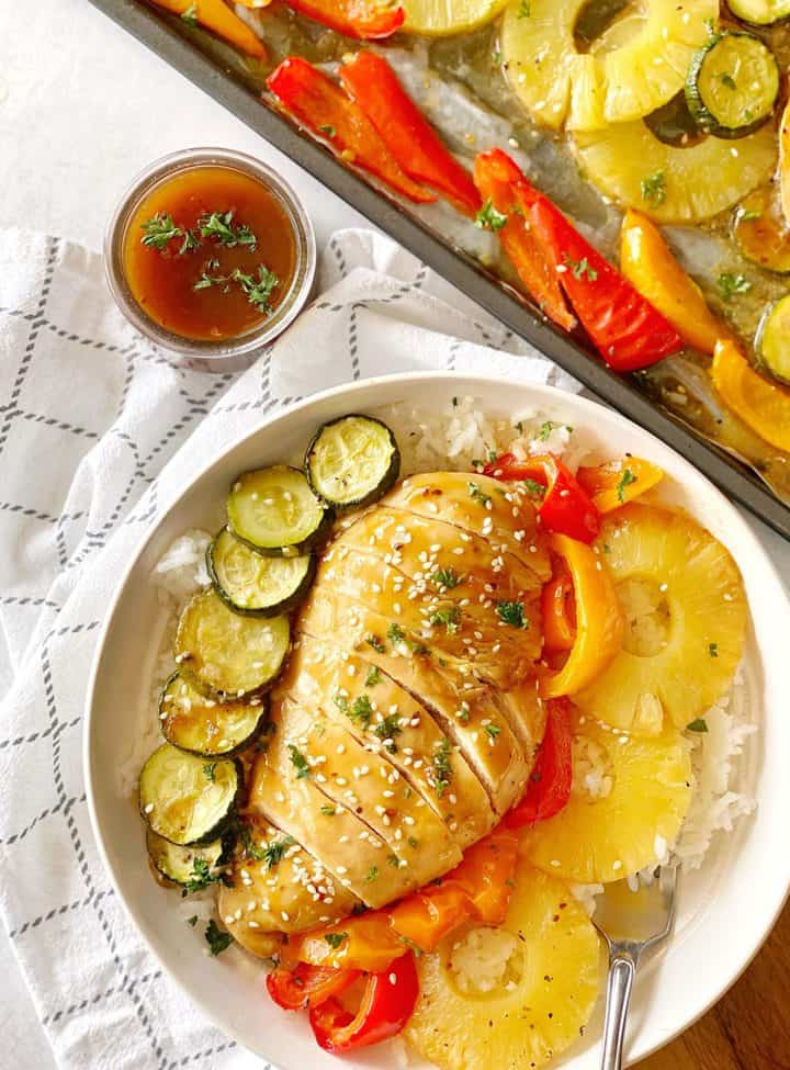 small serving of chicken pineapple and zucchini