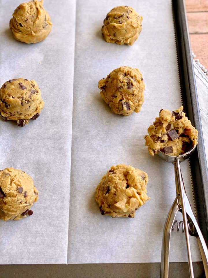 Baking sheet with cookie scoop