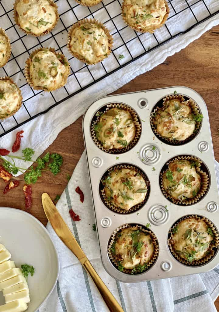 Muffin tin and baking ack