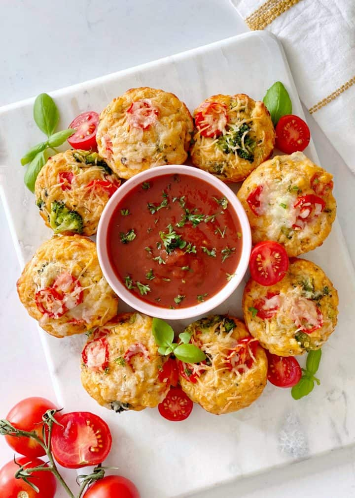 muffins with marinar sauce