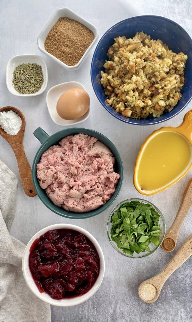 ground urkey, stuffings, spinach, cranberry, all ingredients from the top photo