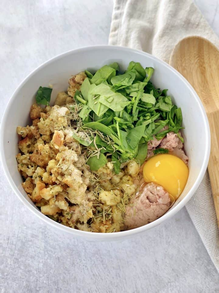 bowl with ground turkey , spinach, egg, stuffing