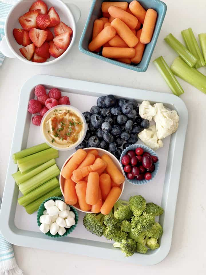 tray of food with vegetables and fruit