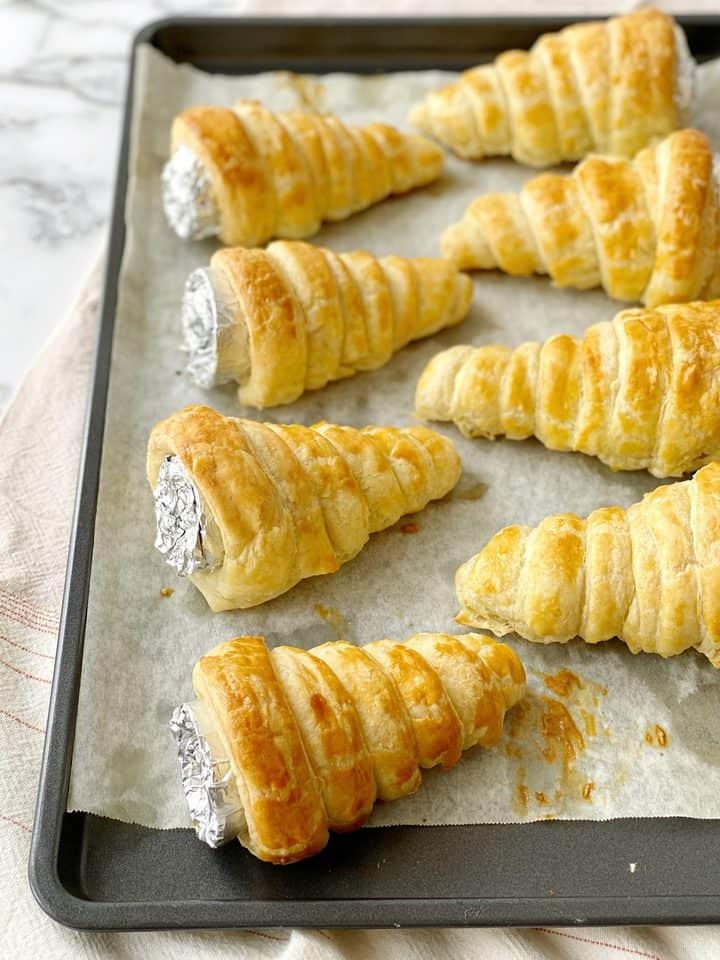 baked cream horns