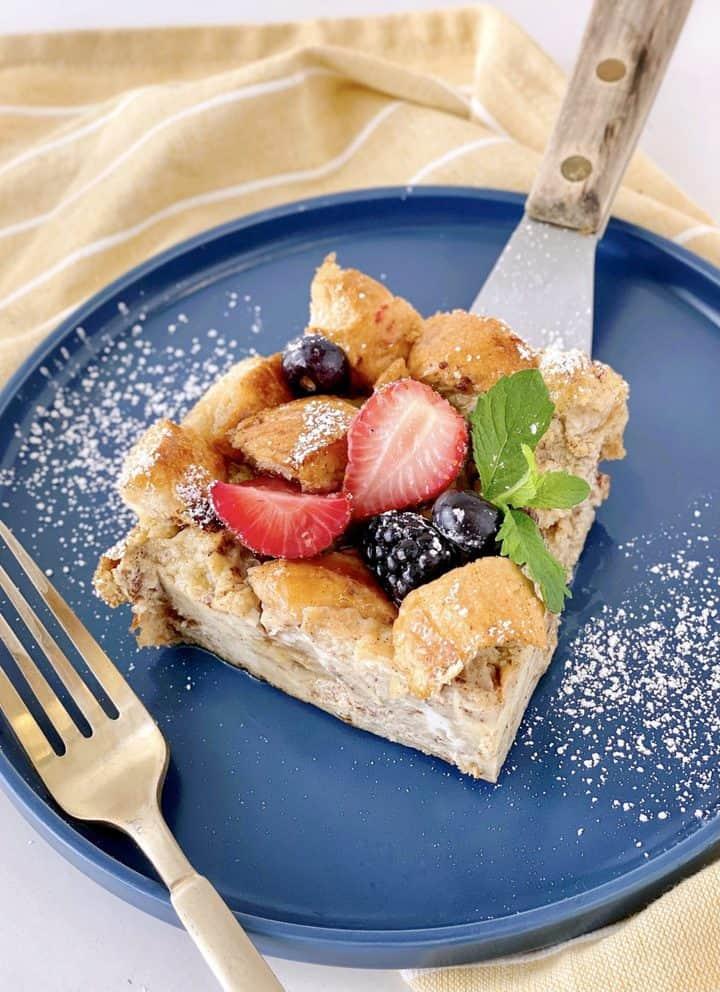 french toast casserole slice
