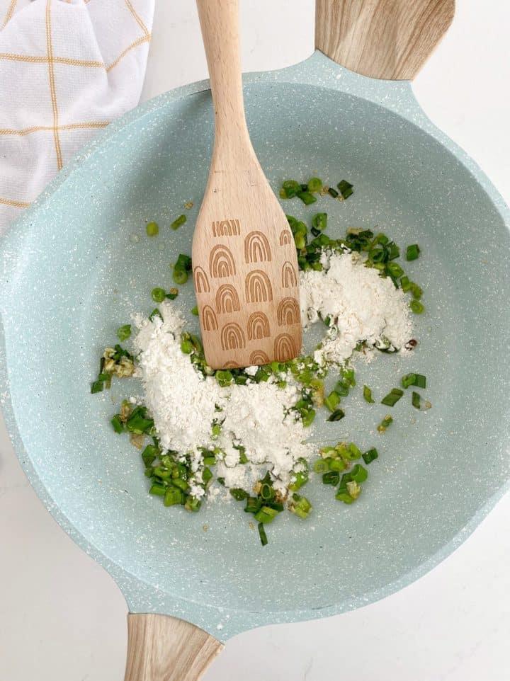 pan wiith flour and scallios