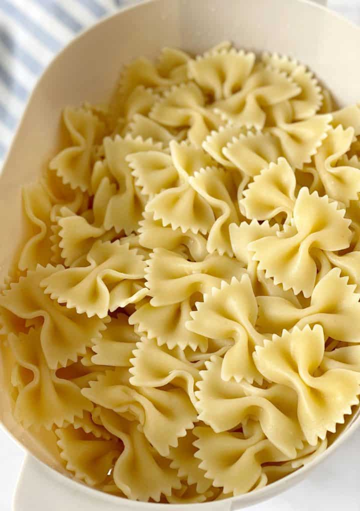 bowl of cooked bowtie pasta