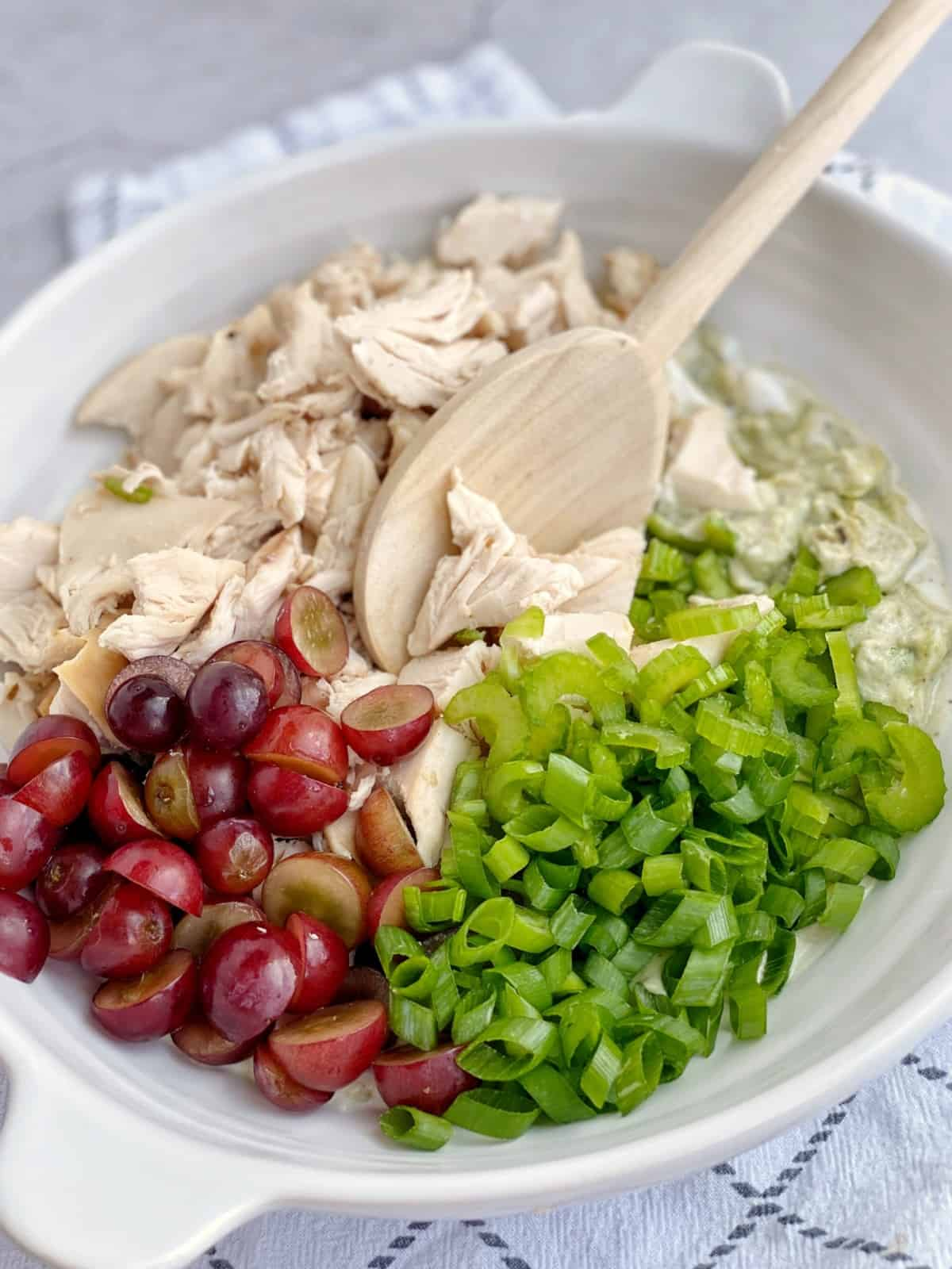 bowl of grapes onions and chicken